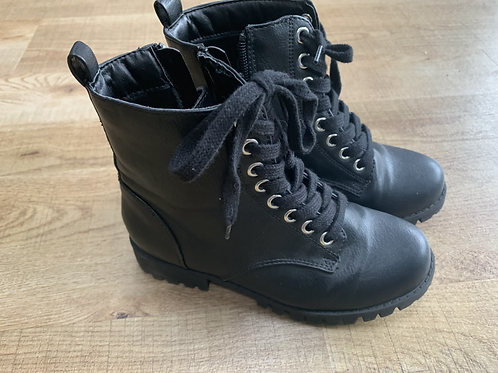 Girls Miss E-vie black boots size 13