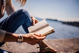 book and beach love