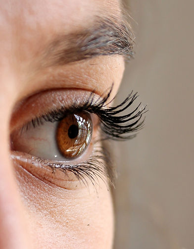 woman-face-eye-eyelashes-63320.jpg