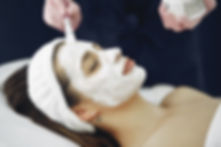 woman-with-white-facial-mask-3985338 (1)