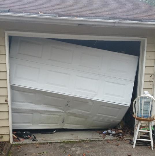Garage Door Before 0011