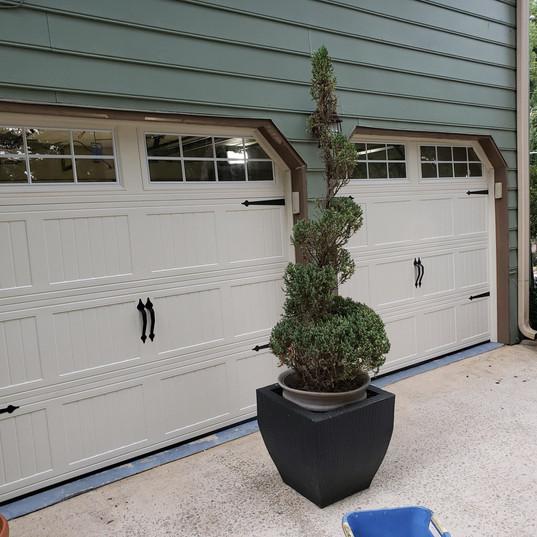 Garage Door After 002