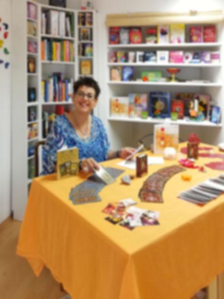 Monika Hromadka, Raum der Begegnungen, Hallein, Kartenlege, Numerologie, Stern zeichen, Räuchern, Energetik