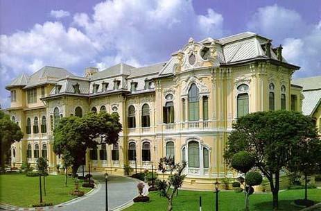 Bang Khunphrom Palace