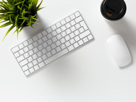 Ao procurar um emprego, use sites de busca de empregos.