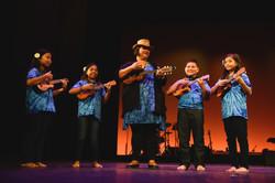 TA Hawai'i students and Paula Fuga