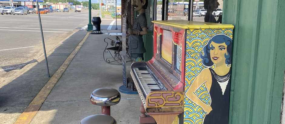 Vintage Theaters and Fried Pies in Mineola, Texas