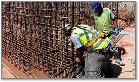 Furos para ancoragem de aço em bloco de concreto para estrutura de viduto. Obra metro Linha 5 Usado Chumbador químico âncora.