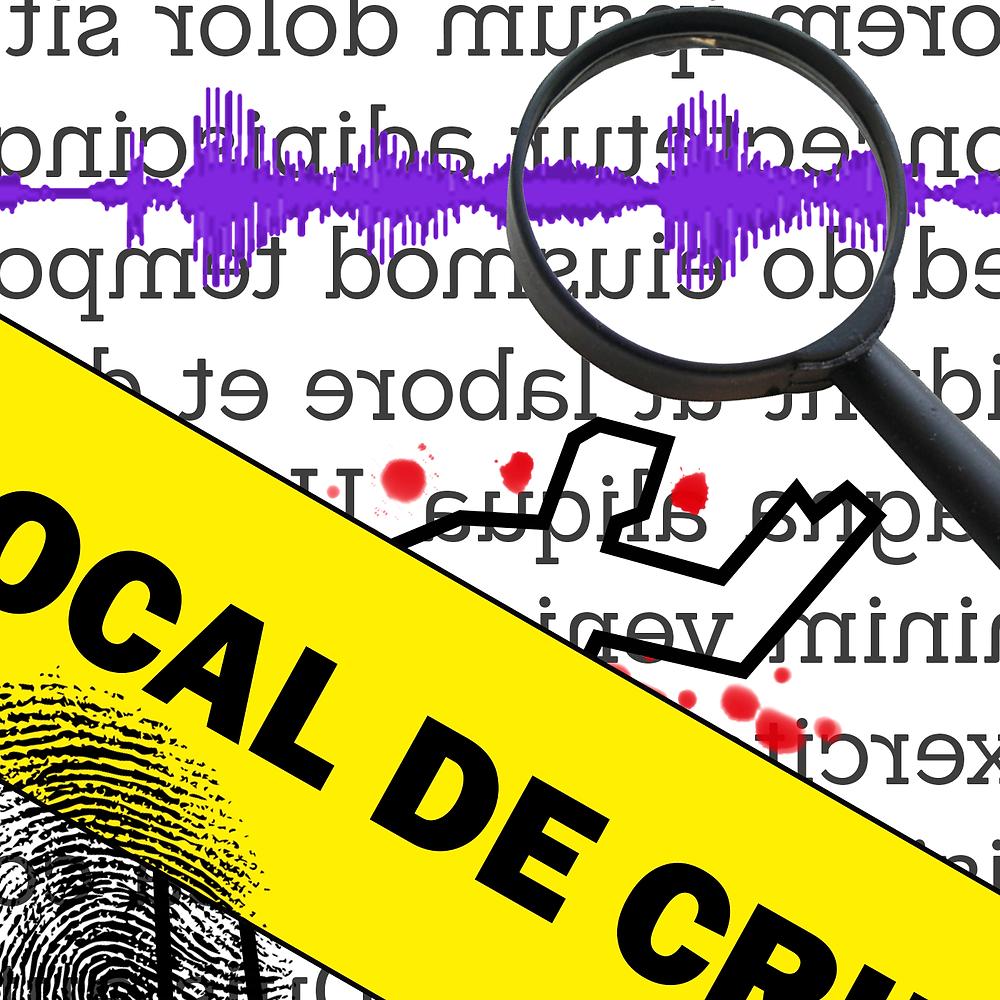 """Ao fundo, um texto em latim datilografado. Há vários elementos que remetem a investigação criminal: uma onda sonora vista por uma lupa, o contorno de um corpo humano (demarcação com fita adesiva) com respingos de sangue, uma faixa amarela escrito """"local de crime"""" na frente e uma impressão digital."""