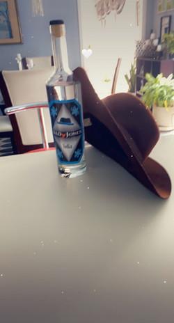MS DAVIS bottle and hat