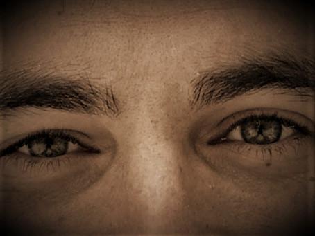 Vidi brillare due occhi
