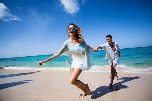 W20160919_WHS-Couple-Beach-007-web.jpg