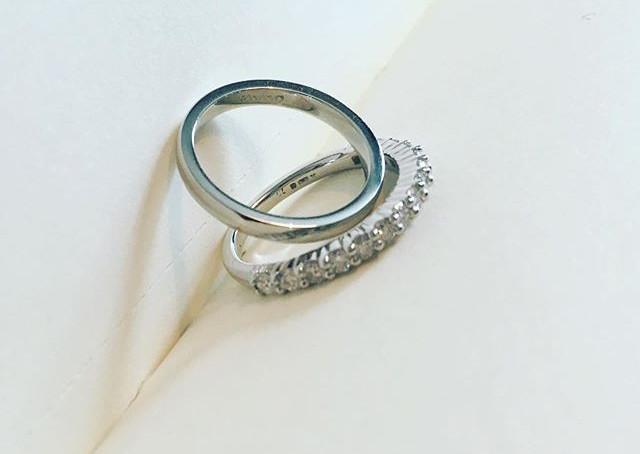 Delicate platinum and diamond wedding ba