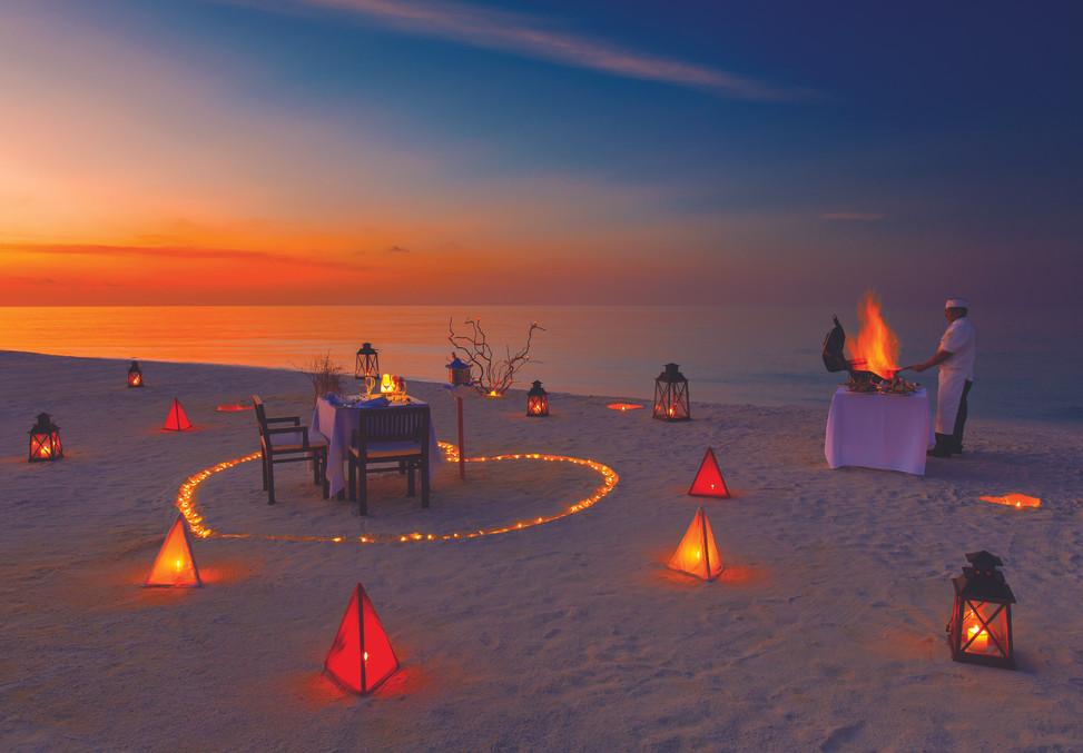 PRIVATE SUNSET BEACH DINNER.jpg