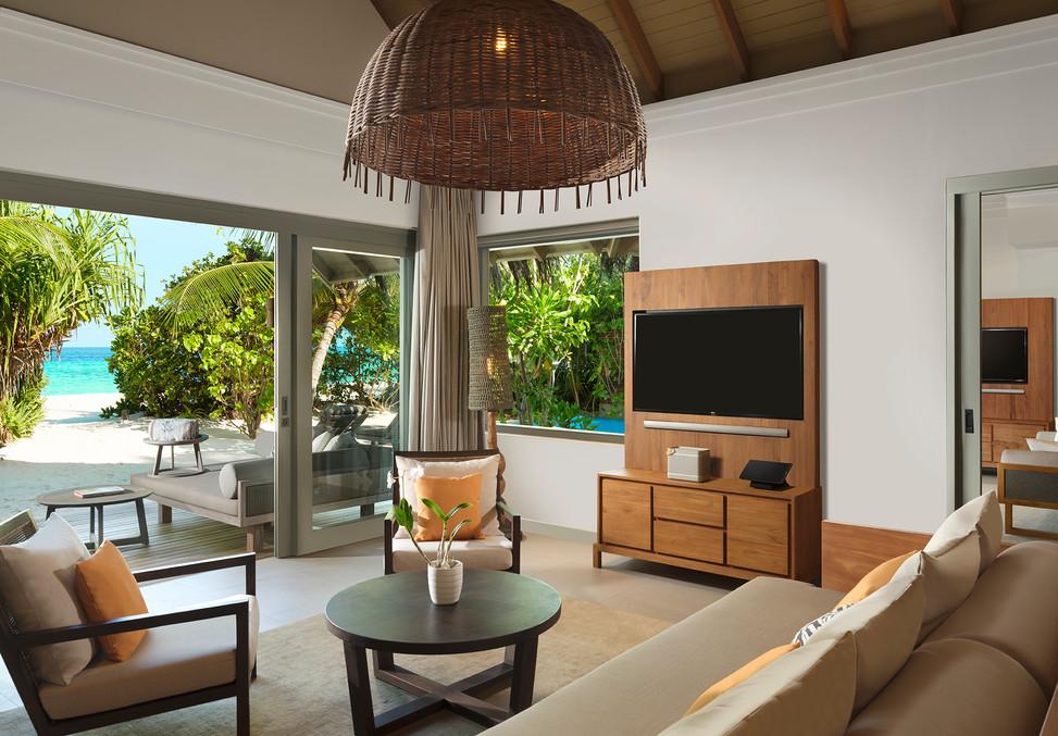 Deluxe Beach Pool Retreat Living Room.jp