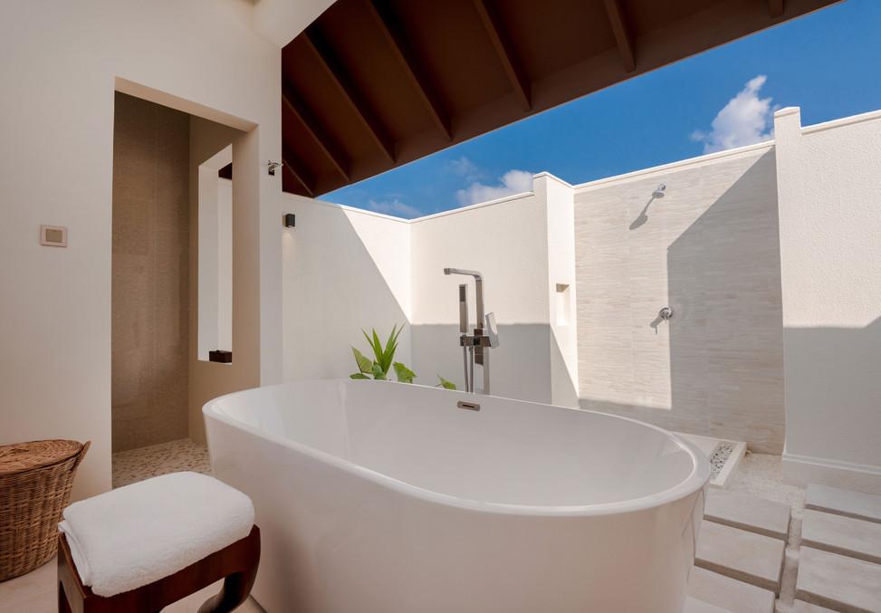 Beach-Villa-with-Pool---Bathroom-01---VA