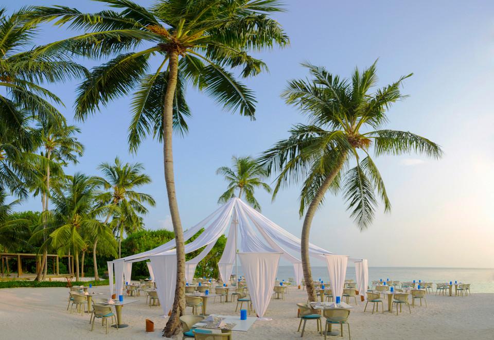 Dusit_Thani_Maldives-4.jpg