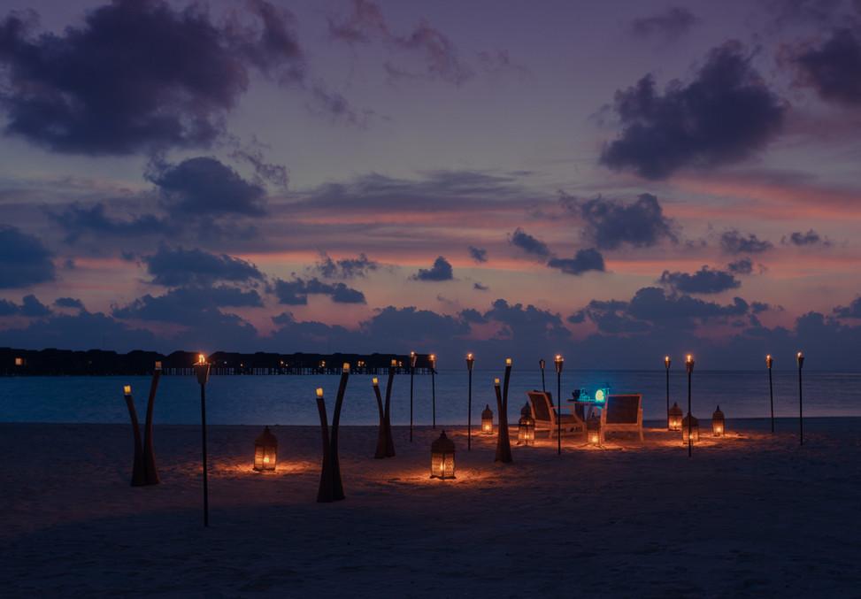 Destination Dining - dinner on the beach