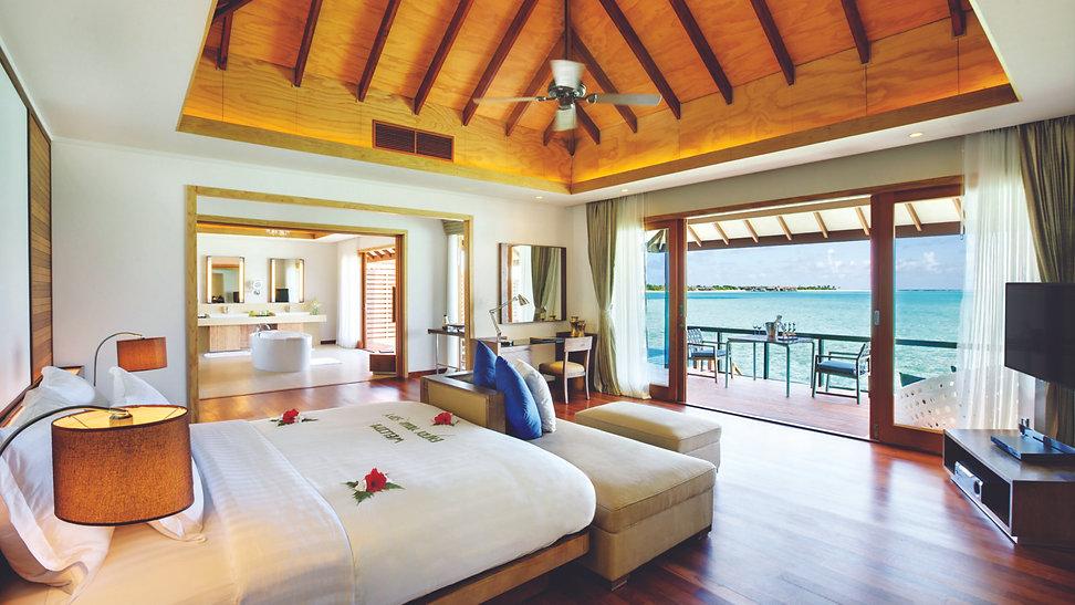 HBR_Deluxe_Water_Villa_bedroom-1600x900.