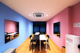 Aスタジオ控室