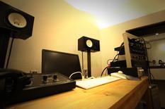スタジオモニター