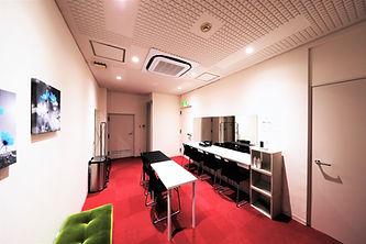B Studio控室