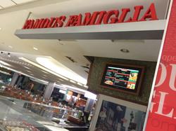 Famous Famiglla - IAH Terminal E