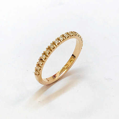 Diamonds in rose gold ring