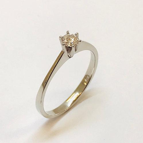 Solitaire Diamond Platinum Ring