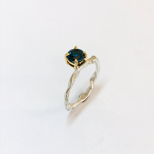 Get Knotted London Blue Topaz Ring