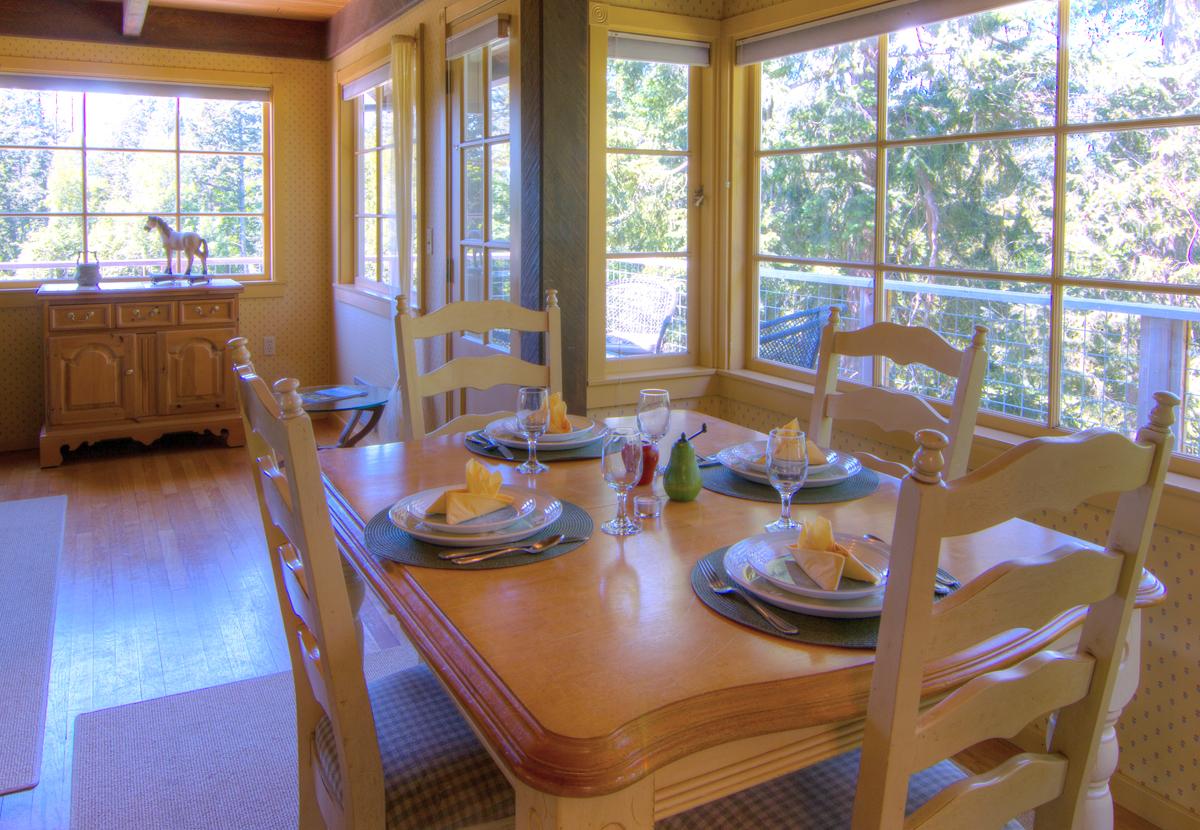 Day Dream Farm Dining Room