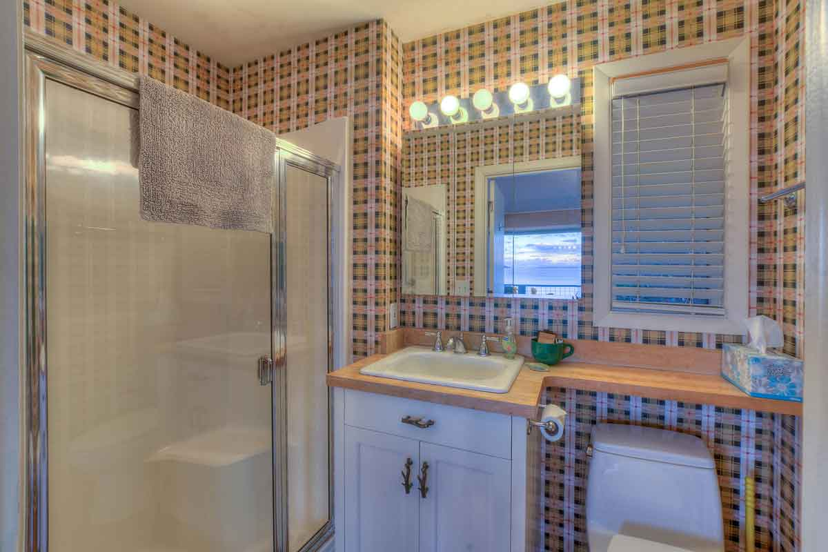 Sea Dream Cottage Bathroom