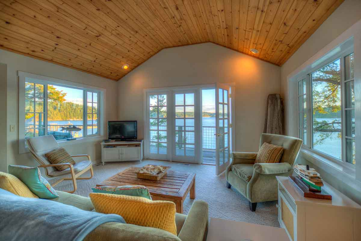 Mariner's Dream-Living Room