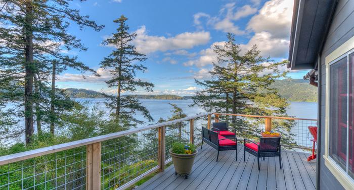 Isle Dream side deck