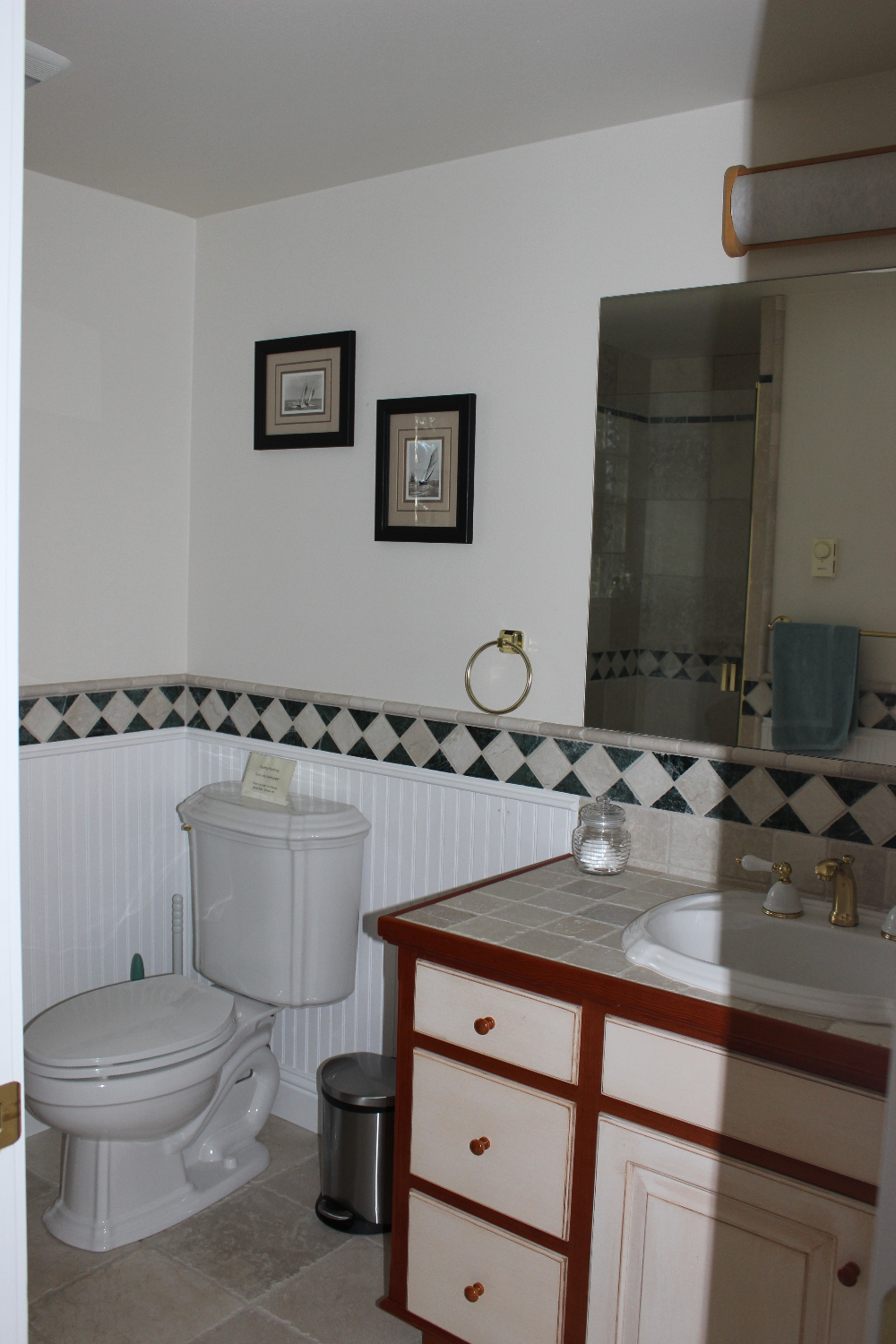 Guest Cottage - Bathroom