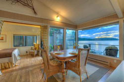 Sea Dream Cottage Dining