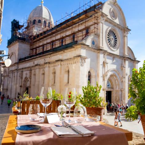 #15 Eating al fresco in the Mediterranea