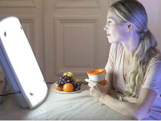 Should You Try Light Therapy to Treat Seasonal Affective Disorder?