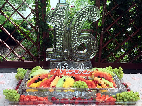 Sixteen with single platter and assorted fruits