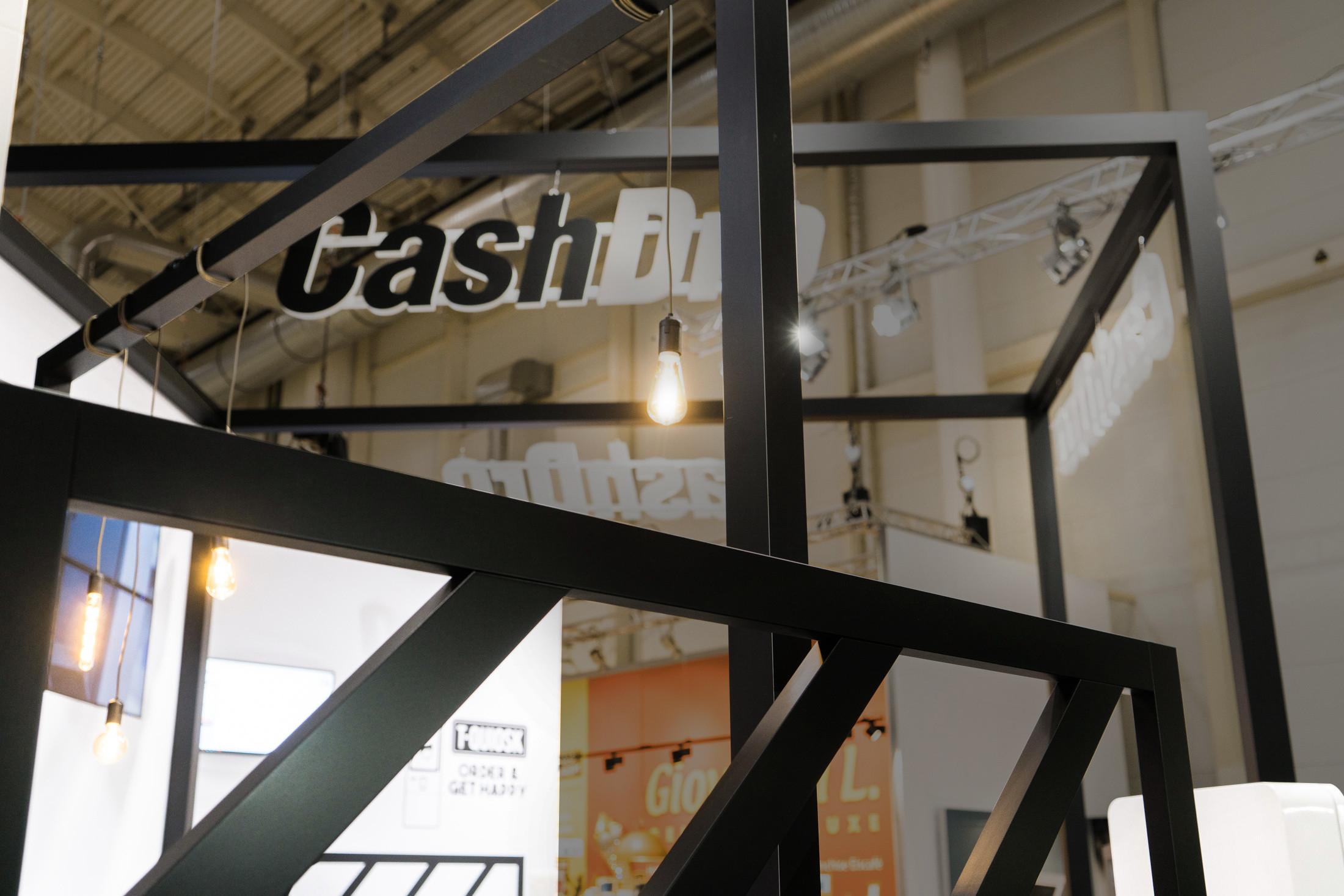 Cash7.jpg