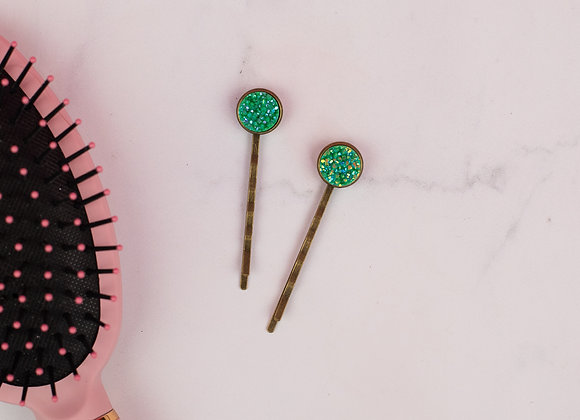 All up in the hair - Green Bobby Pins
