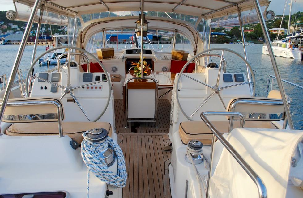 sailboat-1620315_1920.jpg
