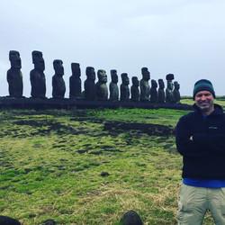 Moai (Easter Island )