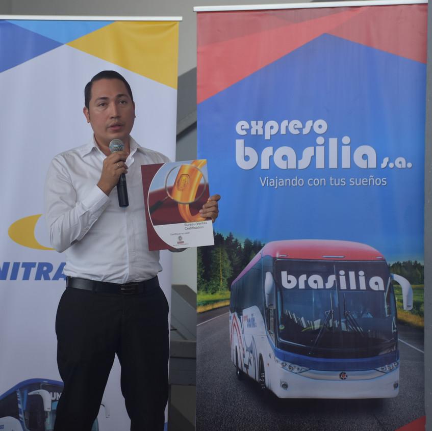 Brasilia_entrega_de_certificación_(18)
