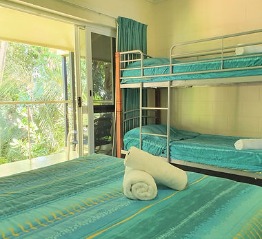 Mango Tree Holiday Apartments Port Douglas accommodation queen bed with bunks