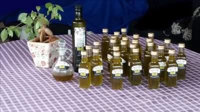 Preparation of fresh olive oil tasting samples