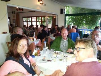 Ein Abend in der Milonas Taverne
