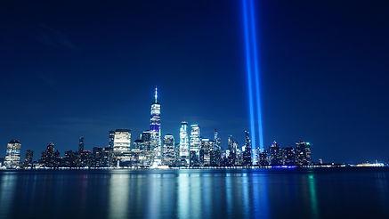 tribute-in-light-4470709_1920.jpg