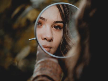In welke spiegel kijk jij naar jezelf?