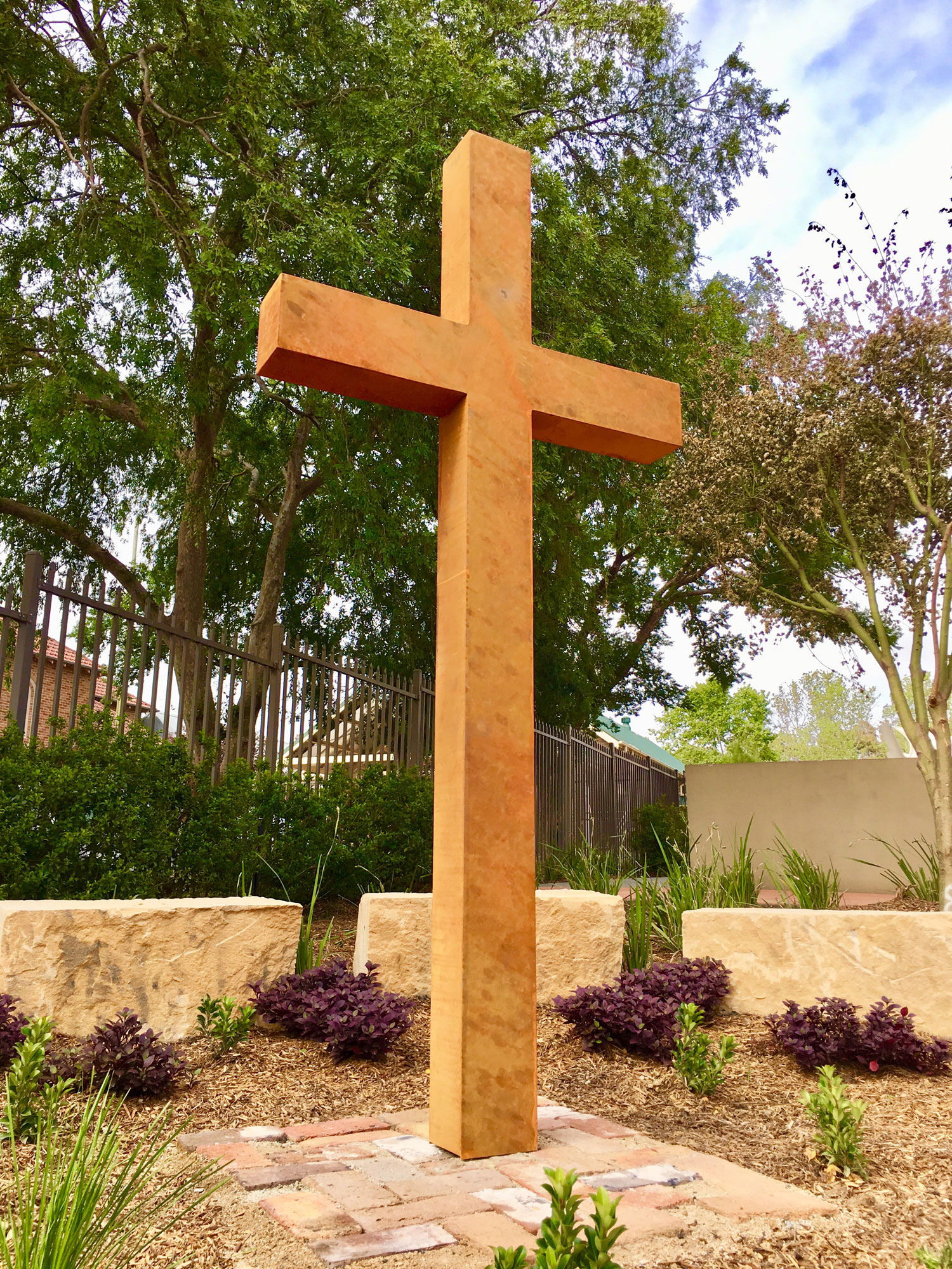 St Pauls Primary School Cross, Curves an